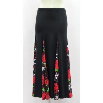 Black Flamenco Skirt with a lot of flight