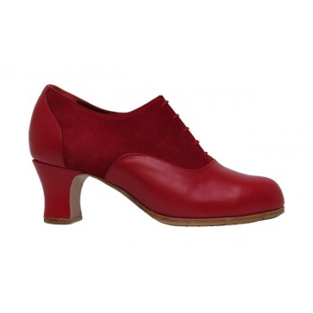 Professional shoe with suede and red leather with laces