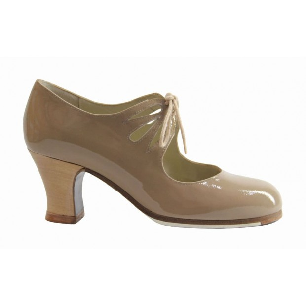 Professional Shoe Beige Patent with Laces