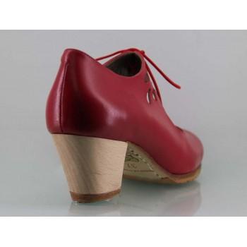 Zapato baile flamenco profesional piel rojo lágrimas caladas