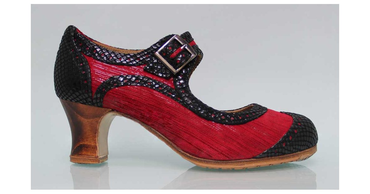Professional fantasy red and black with wide buckle