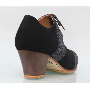 Zapato profesional ante negro y fantasía con cordones
