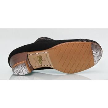 Chaussure professionnelle en daim noir à lacets