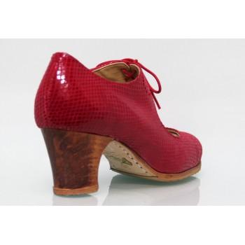 Chaussure professionnelle fantaisie rouge à lacets