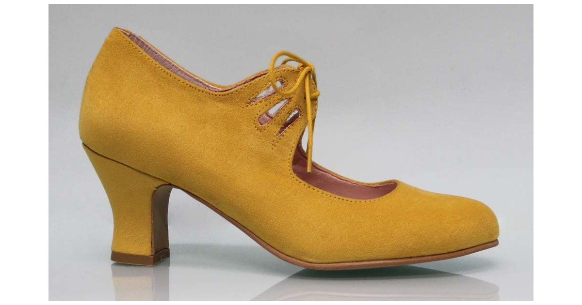 Flamenca Shoe with Lace Suede Mustard Color