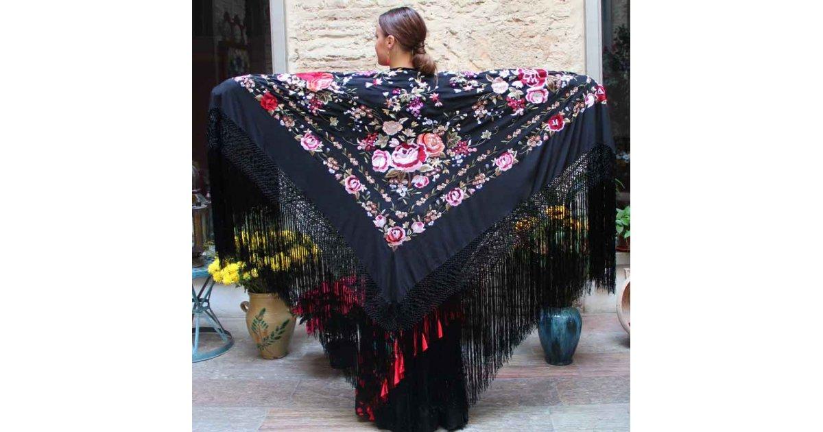 Mantón Negro Bordado a Mano 140 cm.