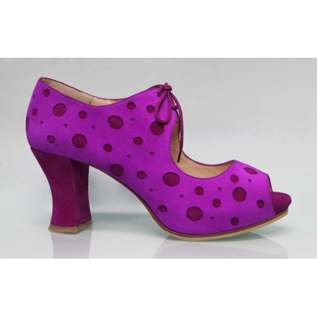 Fucsia Street Shoe with Polka Dots Bougainvillea