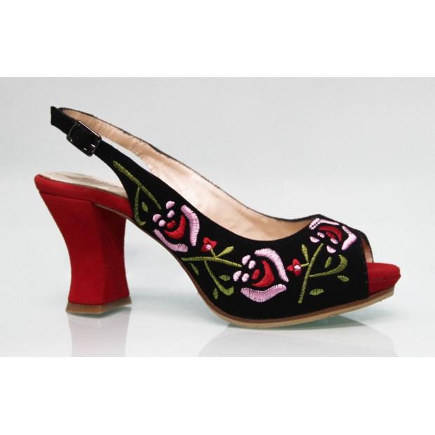 Street Shoe Noir En Daim Brodé Multicolore