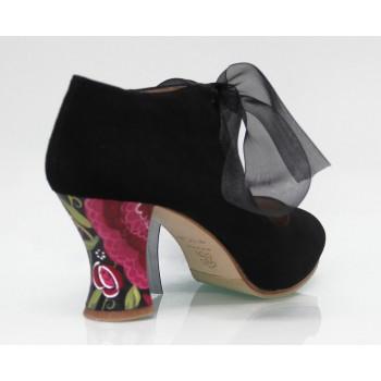 Chaussure de ville en daim noire avec nœud