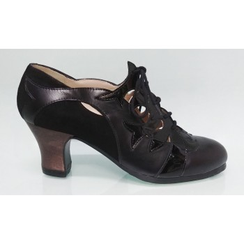 Leather and Black Patent Leather Professional Shoe with Laces