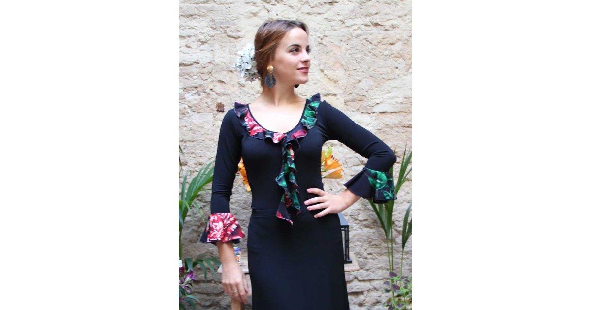Volants de fleurs noires avec flamenco