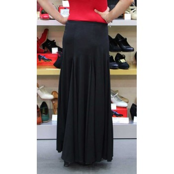 Black flamenco skirt with godets.