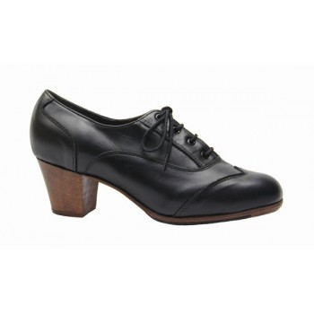 Professional black leather shoe